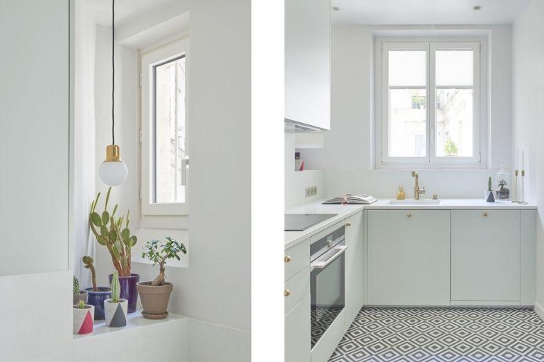 Fenêtres dans une cuisine entièrement rénovée à Paris