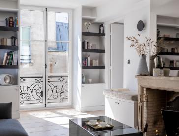 Crémone fenêtre en bois à Rueil-Malmaison